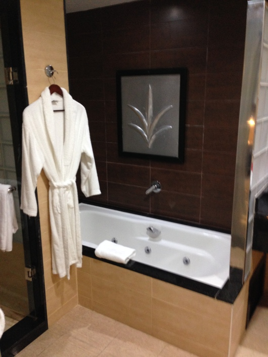 Riu Palace Macao Punta Cana suite Jacuzzi tub