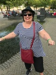 """Estelle dancing on the Cologne """"lover's bridge"""" after the beer tour"""